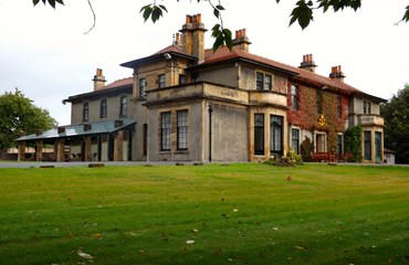 Carronvale House, Falkirk|Self Catering Accommodation Falkirk