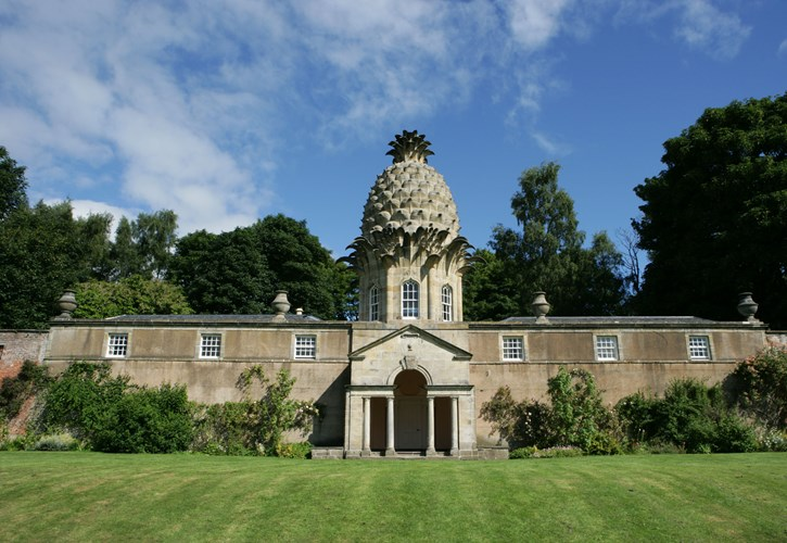 The Pineapple, Airth|Self Catering Cottages in Falkirk