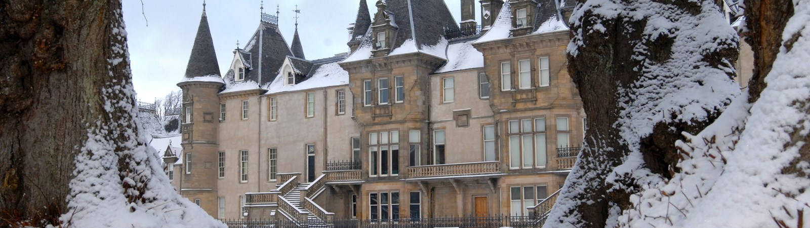 Callendar House and Park, Falkirk in the snow