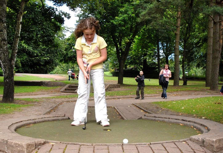 Callendar House & Park, Crazy Golf, Falkirk